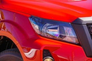 2021 Nissan Navara Burning Red