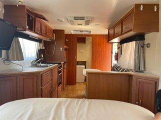 2011 Supreme Classic Caravan