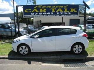 2015 Kia Cerato YD MY16 S White 6 Speed Automatic Hatchback.