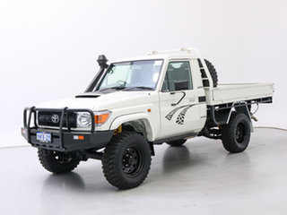 2015 Toyota Landcruiser VDJ79R MY12 Update Workmate (4x4) White 5 Speed Manual Cab Chassis.