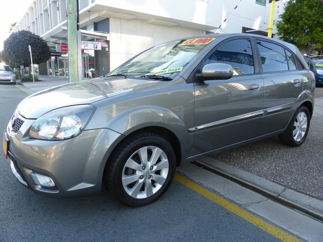 Used Kia Rio JB MY10 SI Southport, 2010 Kia Rio JB MY10 SI Grey 5 Speed Manual Hatchback