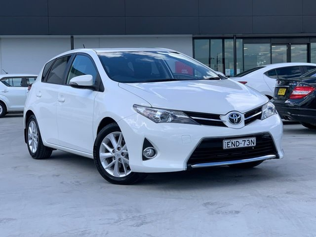 Used Toyota Corolla ZRE182R Ascent Sport S-CVT Liverpool, 2014 Toyota Corolla ZRE182R Ascent Sport S-CVT White 7 Speed Constant Variable Hatchback