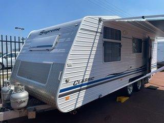 2011 Supreme Classic Caravan.