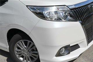 2016 Toyota Esquire ZRR80 XI SLIDE SEAT White Wagon.