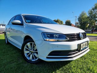 2016 Volkswagen Jetta 1B MY16 118TSI Trendline White 6 Speed Manual Sedan.