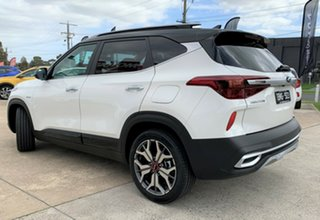 2021 Kia Seltos SP2 MY21 GT-Line DCT AWD Clear White & Cherry Black Roof 7 Speed