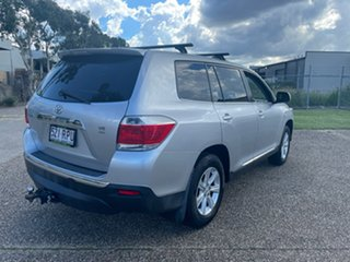 2011 Toyota Kluger GSU40R MY11 Upgrade KX-R (FWD) 7 Seat Silver 5 Speed Automatic Wagon.