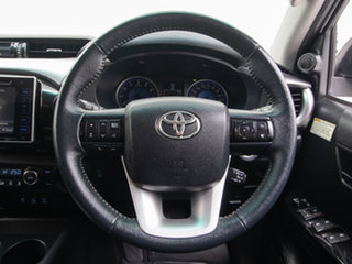 2016 Toyota Hilux GGN125R SR5 (4x4) White 6 Speed Automatic Dual Cab Utility