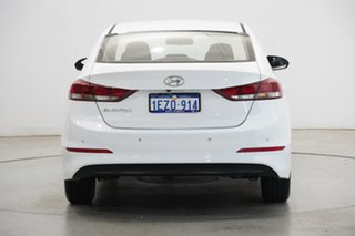 2017 Hyundai Elantra AD MY17 Active White 6 Speed Sports Automatic Sedan