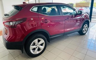 2020 Nissan Qashqai ST Magnetic Red Constant Variable Wagon