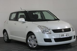 2007 Suzuki Swift RS415 White 5 Speed Manual Hatchback.