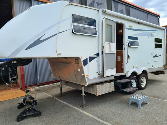 Used Bellevue, 2010 CUTLOOSE ROEBUCK 5TH WHEEL