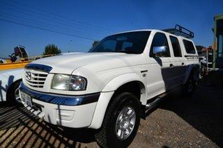 2005 Mazda B4000 Bravo SDX (4x4) White 5 Speed Automatic Dual Cab Pick-up.