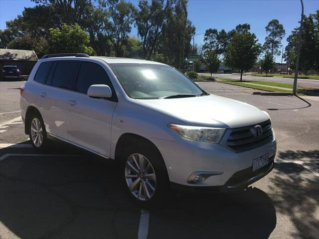 Used Toyota Kluger GSU40R MY12 Altitude 2WD Yarrawonga, 2012 Toyota Kluger GSU40R MY12 Altitude 2WD White 5 Speed Sports Automatic Wagon