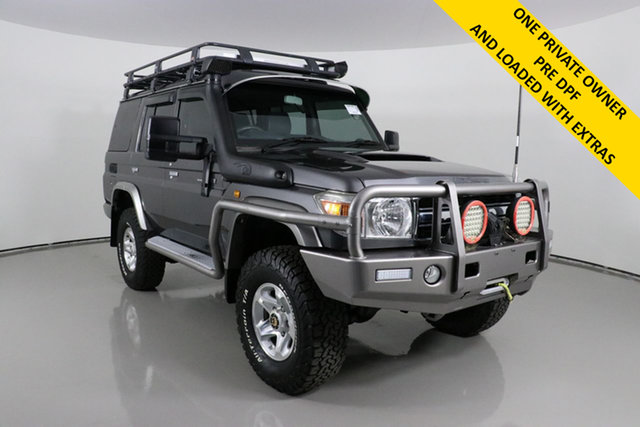Used Toyota Landcruiser VDJ76R MY12 Update GXL (4x4) Bentley, 2016 Toyota Landcruiser VDJ76R MY12 Update GXL (4x4) Graphite 5 Speed Manual Wagon