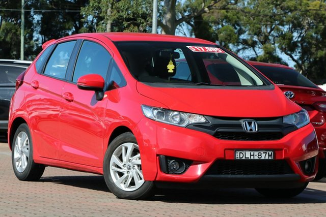Pre-Owned Honda Jazz GF MY17 Limited Edition Warwick Farm, 2016 Honda Jazz GF MY17 Limited Edition Red 1 Speed Constant Variable Hatchback