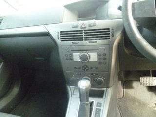 2006 Holden Astra AH MY06 CD Silver 4 Speed Automatic Hatchback