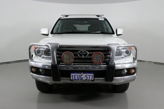2015 Toyota Landcruiser VDJ200R MY13 Sahara (4x4) Crystal Pearl 6 Speed Automatic Wagon.