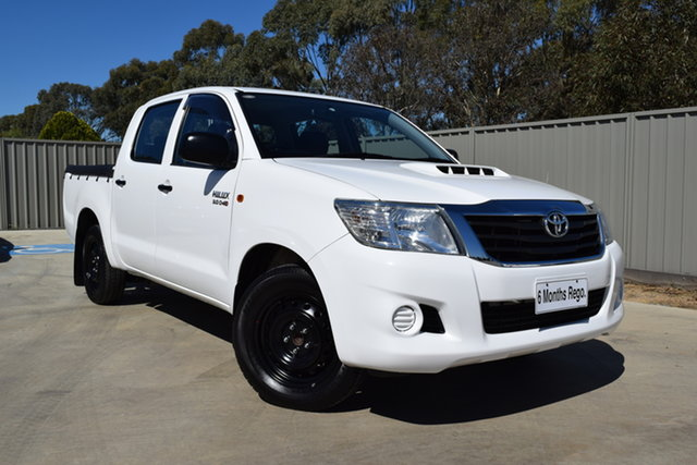Used Toyota Hilux KUN16R MY14 SR Double Cab 4x2 Echuca, 2014 Toyota Hilux KUN16R MY14 SR Double Cab 4x2 Glacier White 5 Speed Manual Utility