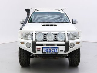 2012 Toyota Hilux KUN26R MY12 SR5 (4x4) White 5 Speed Manual Dual Cab Pick-up.