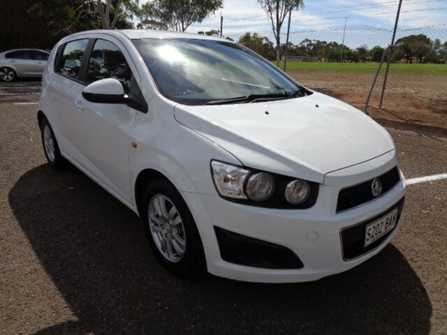 Used Holden Barina TM MY14 CD Elizabeth, 2013 Holden Barina TM MY14 CD White 5 Speed Manual Hatchback