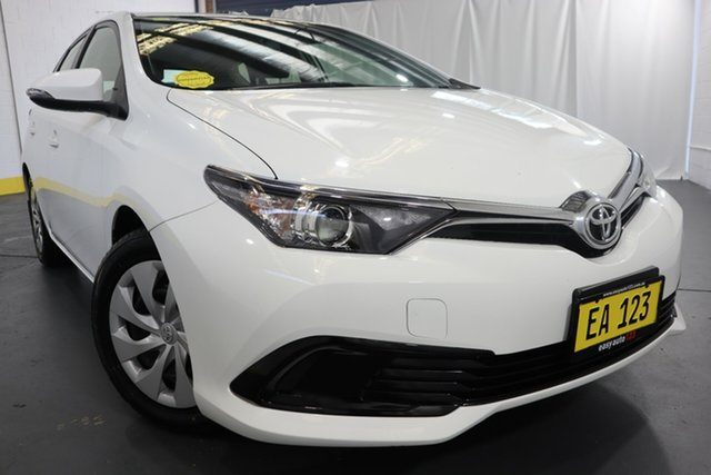Used Toyota Corolla ZRE182R Ascent S-CVT Castle Hill, 2018 Toyota Corolla ZRE182R Ascent S-CVT White 7 Speed Constant Variable Hatchback