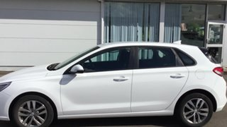 2017 Hyundai i30 PD MY18 Active White 6 Speed Manual Hatchback