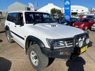 2001 Nissan Patrol GU III ST White 4 Speed Automatic SUV.