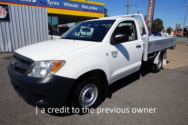 Used Toyota Hilux TGN16R MY07 Workmate 4x2 Dandenong, 2007 Toyota Hilux TGN16R MY07 Workmate 4x2 Glacier White 5 Speed Manual Cab Chassis