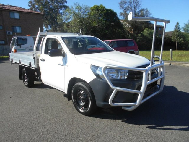 Used Toyota Hilux TGN121R Workmate Bankstown, 2015 Toyota Hilux TGN121R Workmate White 6 Speed Automatic Cab Chassis