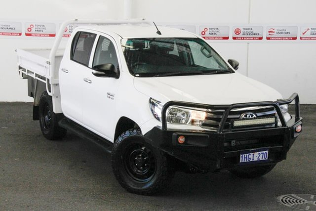 Pre-Owned Toyota Hilux GUN126R SR (4x4) Myaree, 2017 Toyota Hilux GUN126R SR (4x4) Glacier White 6 Speed Manual Dual Cab Chassis