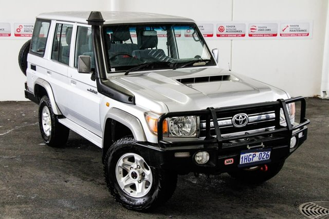 Pre-Owned Toyota Landcruiser LC70 VDJ76R MY17 GXL (4x4) Myaree, 2017 Toyota Landcruiser LC70 VDJ76R MY17 GXL (4x4) Silver Pearl 5 Speed Manual Wagon