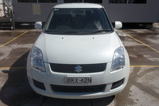 2009 Suzuki Swift RS415 White 5 Speed Manual Hatchback.