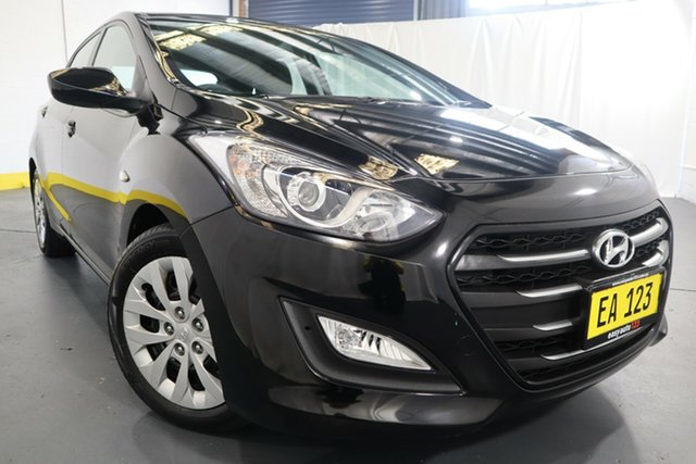Used Hyundai i30 GD4 Series II MY17 Active Castle Hill, 2016 Hyundai i30 GD4 Series II MY17 Active Black 6 Speed Sports Automatic Hatchback