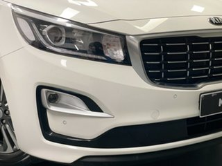 2018 Kia Carnival YP MY18 SLi White 6 Speed Sports Automatic Wagon.
