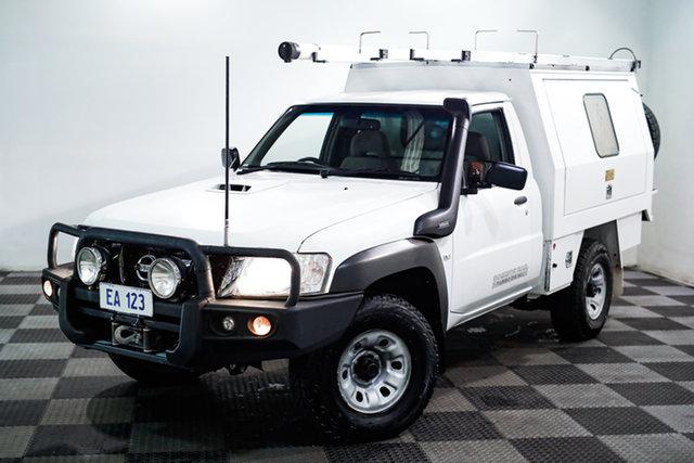 Used Nissan Patrol Y61 Series 5 MY15 DX Edgewater, 2016 Nissan Patrol Y61 Series 5 MY15 DX White 5 Speed Manual Cab Chassis