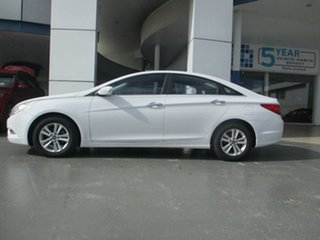 2011 Hyundai i45 YF MY11 Active White 6 Speed Automatic Sedan.