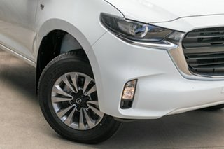 2021 Mazda BT-50 BT-50 B 6AUTO 3.0L DUAL CAB CHASSIS XT 4X4 Ice White CRCCC.