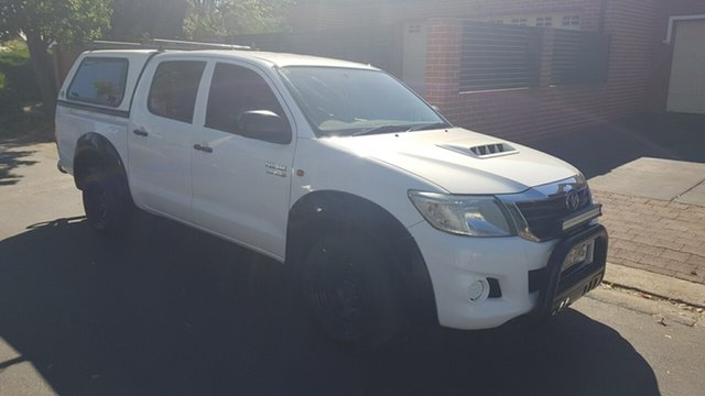 Used Toyota Hilux KUN16R MY12 SR Prospect, 2012 Toyota Hilux KUN16R MY12 SR White 5 Speed Manual Dual Cab Pick-up