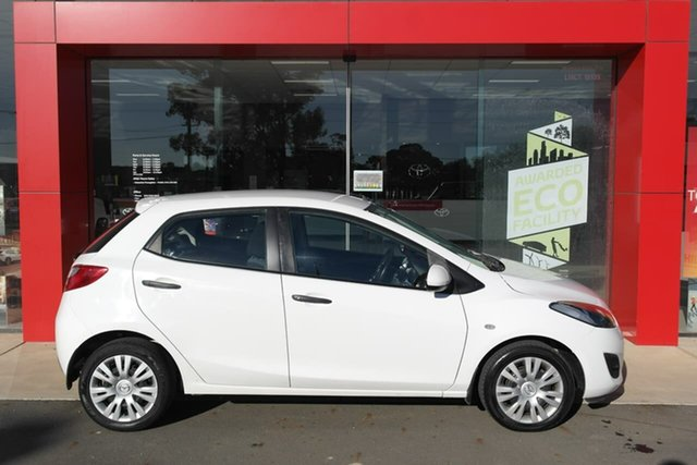 Pre-Owned Mazda 2 DE10Y1 MY10 Neo Swan Hill, 2010 Mazda 2 DE10Y1 MY10 Neo White 4 Speed Automatic Hatchback