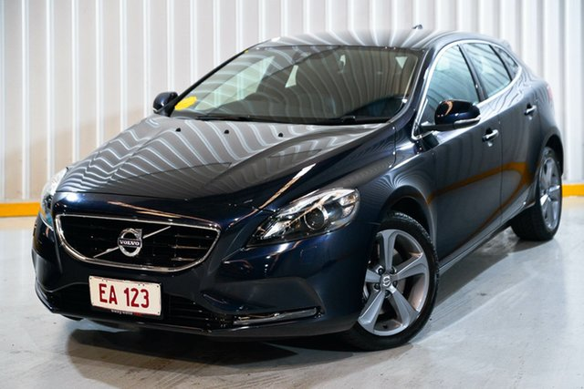 Used Volvo V40 M Series MY16 D4 Adap Geartronic Luxury Hendra, 2015 Volvo V40 M Series MY16 D4 Adap Geartronic Luxury Blue 8 Speed Sports Automatic Hatchback