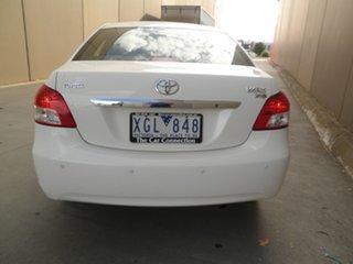 2009 Toyota Yaris NCP93R MY09 YRS White 5 Speed Manual Sedan