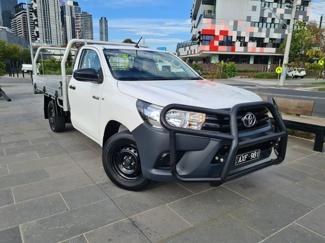Used Toyota Hilux TGN121R Workmate 4x2 South Melbourne, 2018 Toyota Hilux TGN121R Workmate 4x2 White 5 Speed Manual Cab Chassis