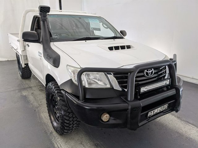 Used Toyota Hilux KUN26R MY12 SR Double Cab Maryville, 2013 Toyota Hilux KUN26R MY12 SR Double Cab White 5 Speed Manual Utility