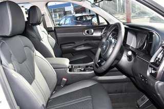 New MQ4 SORENTO SPORT + PETROL AUTO