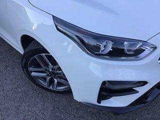2019 Kia Cerato BD MY19 S White 6 Speed Manual Hatchback.