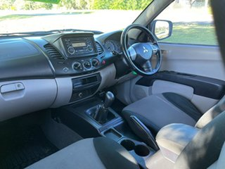 2010 Mitsubishi Triton MN MY10 GL-R Double Cab 4x2 White 5 Speed Manual Utility
