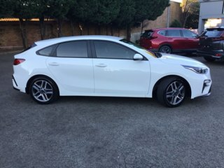 2019 Kia Cerato BD MY19 S White 6 Speed Manual Hatchback.