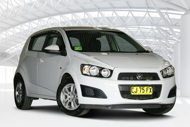 Used Holden Barina TM MY16 CD Moorebank, 2016 Holden Barina TM MY16 CD White 6 Speed Automatic Hatchback