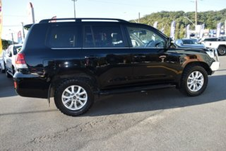 2016 Toyota Landcruiser VDJ200R VX Black 6 Speed Sports Automatic Wagon.